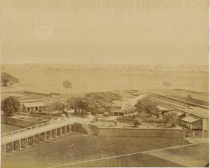 Chowringhee gate Fort William an albumen photo, 1880's