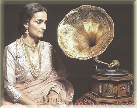 Gauhar Jaan - the first Indian voice recorded on gramophone in 1902. Cut 600 records in 20 languages. A Dhurrumtollah resident. Courtesy: TOI