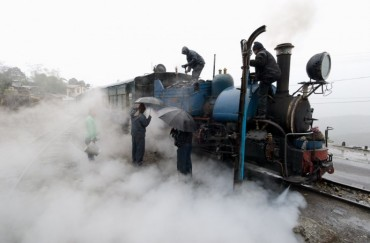 Darjeeling's Toy Train by Carsten Bockermann
